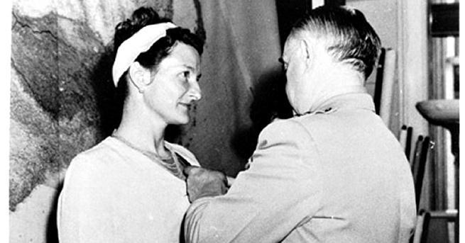 """Нацистите я определят като """"най-опасната"""" от всички противникови шпиони. Разлепват"""