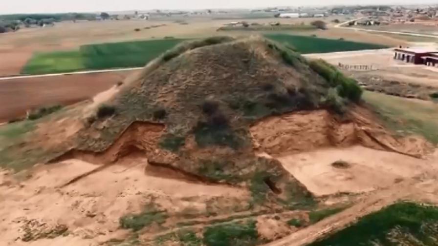 Откриха уникална тракийска гробница край Пловдив