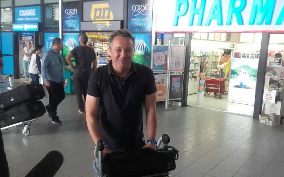 Новият треньор на Левски пристигна в София