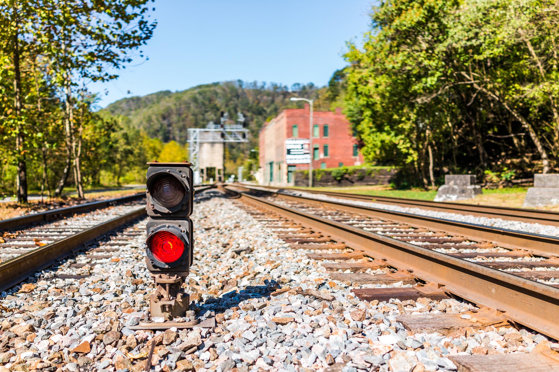 Търмънд, Западна Вирджиния - население 5 души. След упадъка на производството на въглища, привлекателността на града избледнява, като населението му достигне до пет от 2010 г.