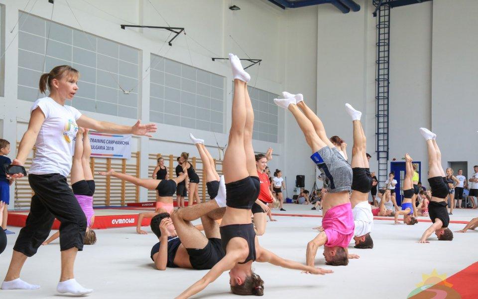 """Националите по акробатика се подготвят в """"Камчия"""" за Младежките олимпийски игри"""