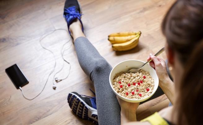 Никога не яжте тези храни преди тренировка (СНИМКИ)