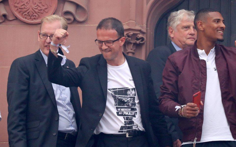 Бобич с нов договор след успеха за Купата на Германия