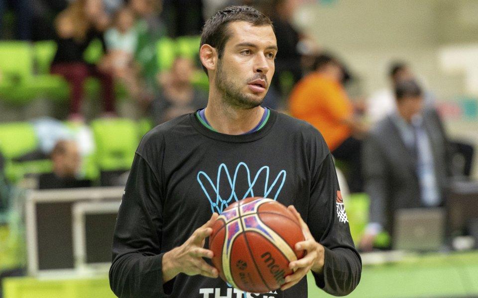 Силен мач за Александър Янев при успех на Бърно
