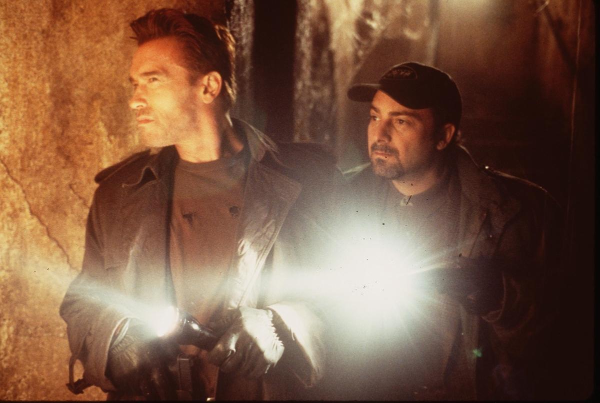 Арнолд Шварценегер по време на снимки на ексън филм.
