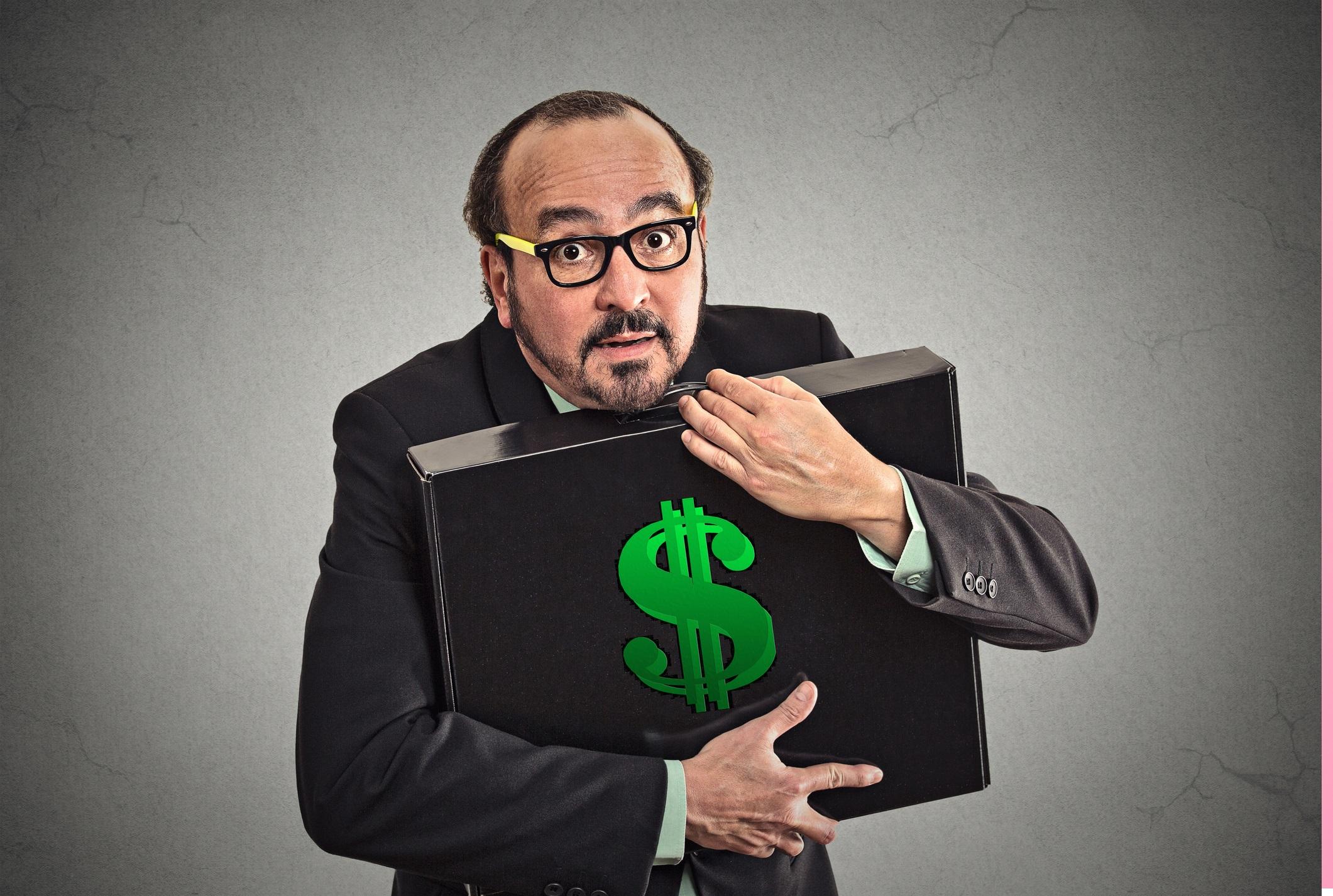 Козирог – алчност<br /> <br /> Не сте алчни за храна или внимание – имате нужда от пари и сте готови да се скапете от работа за тях. Това или е алчност, или е отговорност към финансовото ви бъдеще (или това на семейството ви). Някои хора биха казали, че спестяването и трупането на пари не трябва да се смята за грях.