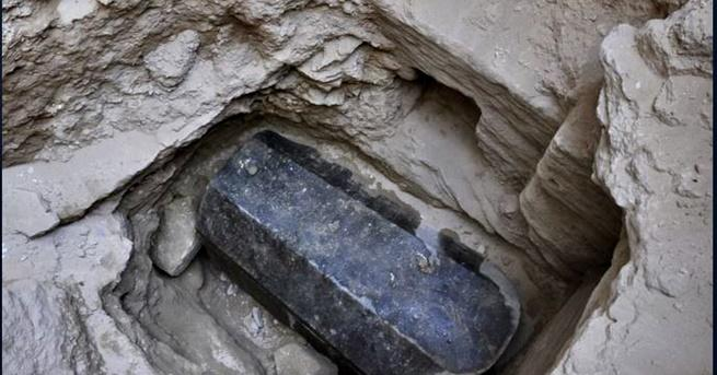 В началото на месец юли египетски археолози се натъкнаха саркофаг