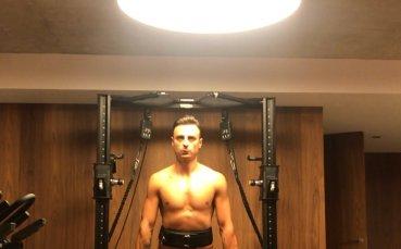 Бербатов тренира във фитнеса, Евра е доволен