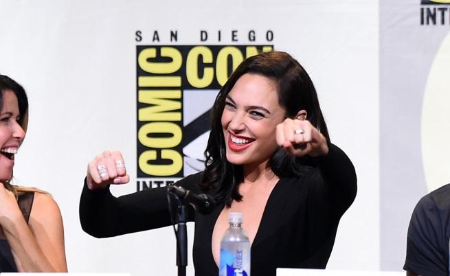 Най-добре платените жени в Холивуд (СНИМКИ)