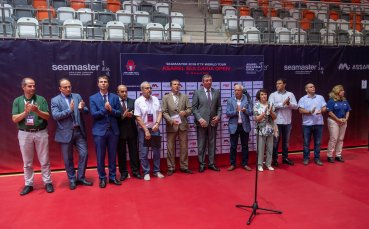 Три китайки на полуфиналите на сингъл в Панагюрище