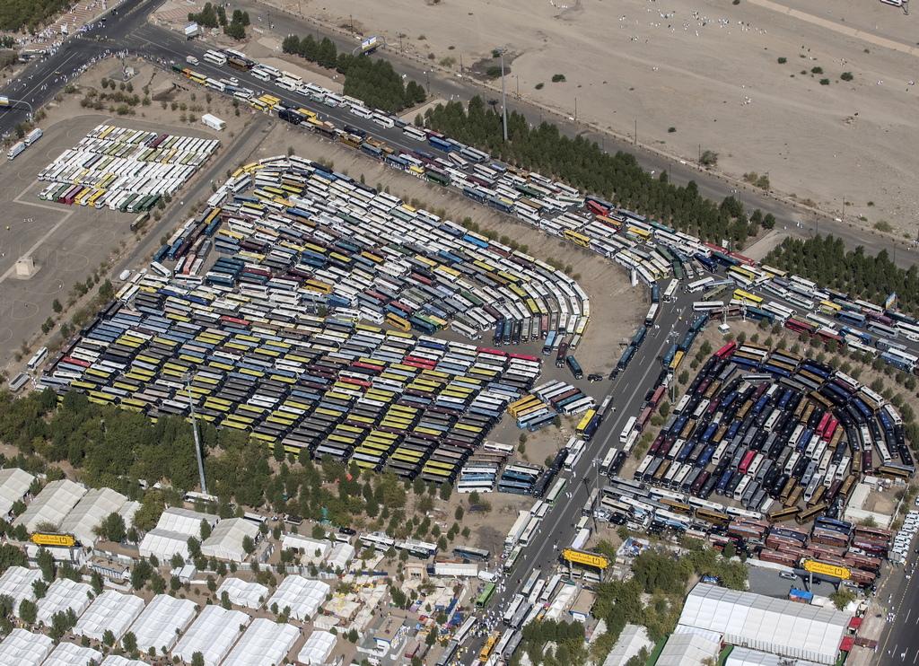 Властите са се погрижили и за околната среда тази година, инсталирайки девет екологично чисти контейнери за отпадъци с капацитет на всеки от тях по 6 тона