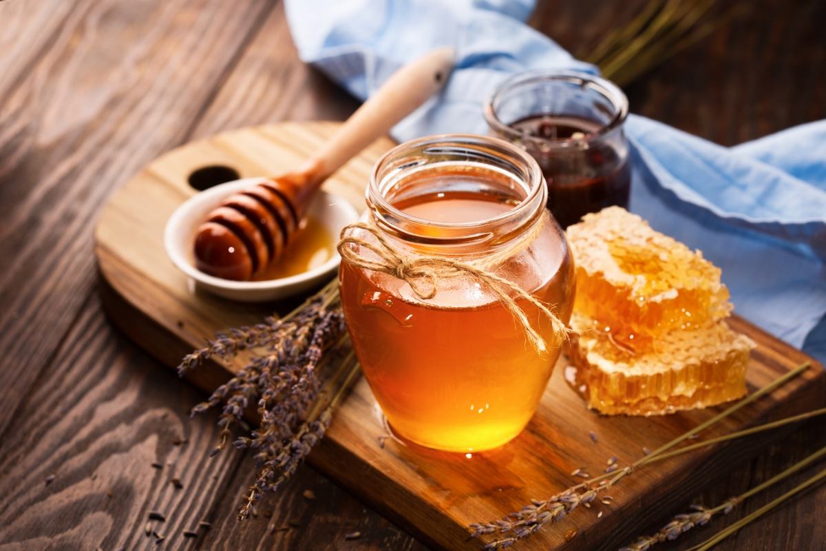 След това можете да хапнете две лъжички мед.