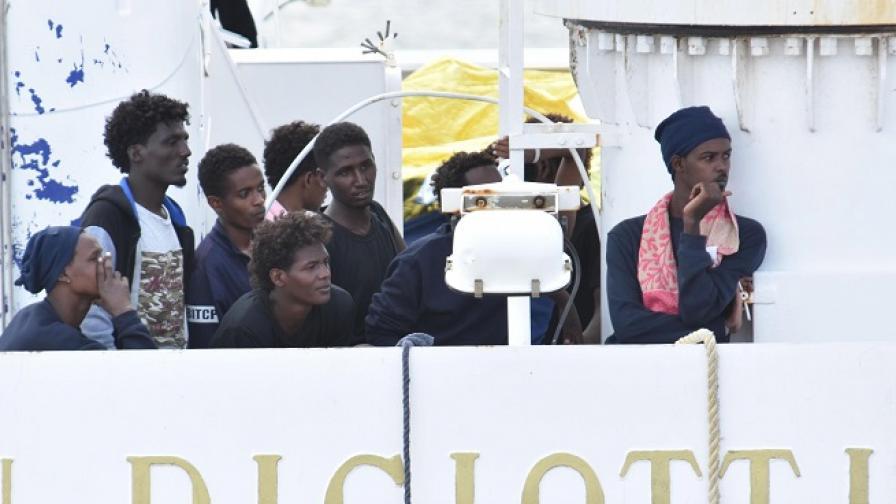 Италия заплаши ЕС, ако друг не вземе мигрантите