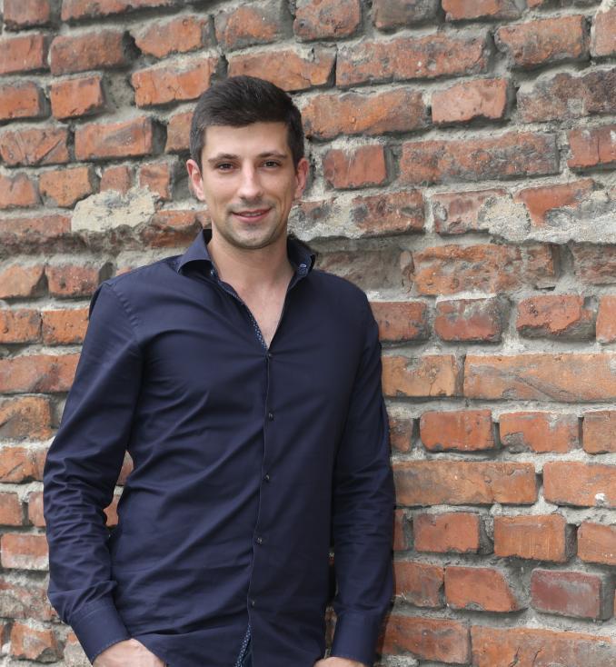 - Борис Павлов 10 години живее, учи и работи в чужбина.