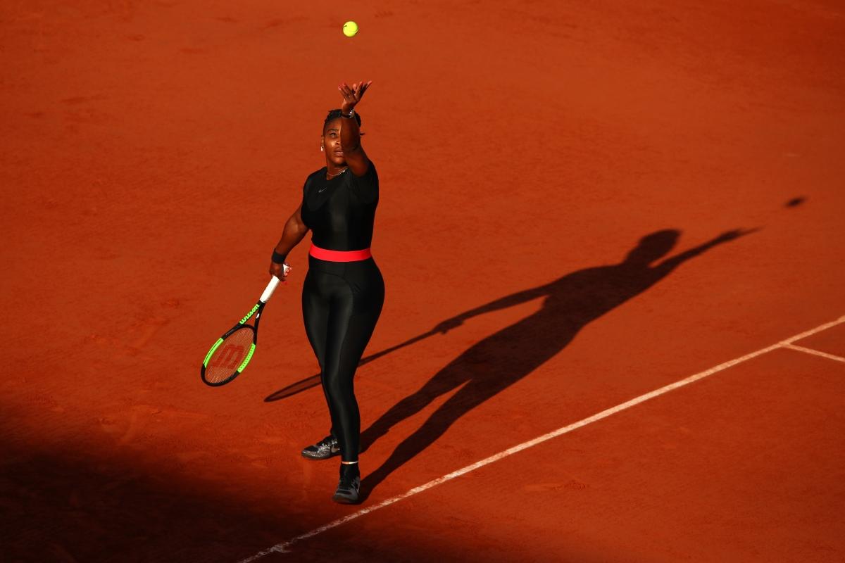 """Котешкият костюм"" на Серина Уилямс предизвика полемики: дали е обида към тениса или е опит за контрол над жените."