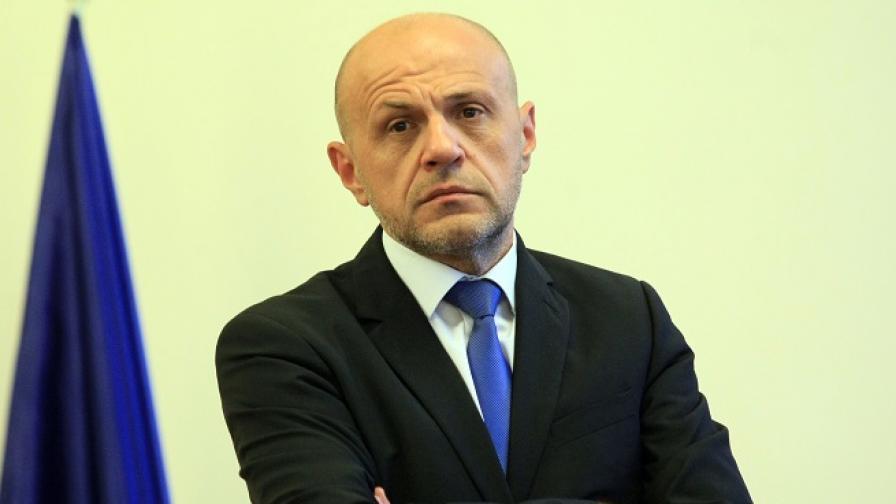 Дончев: Към България риск от мигрантски натиск няма