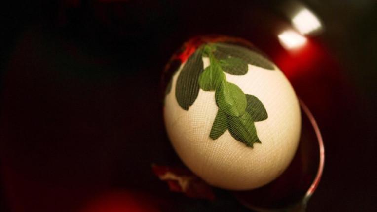 екологичен вариант боядисване на яйца техника