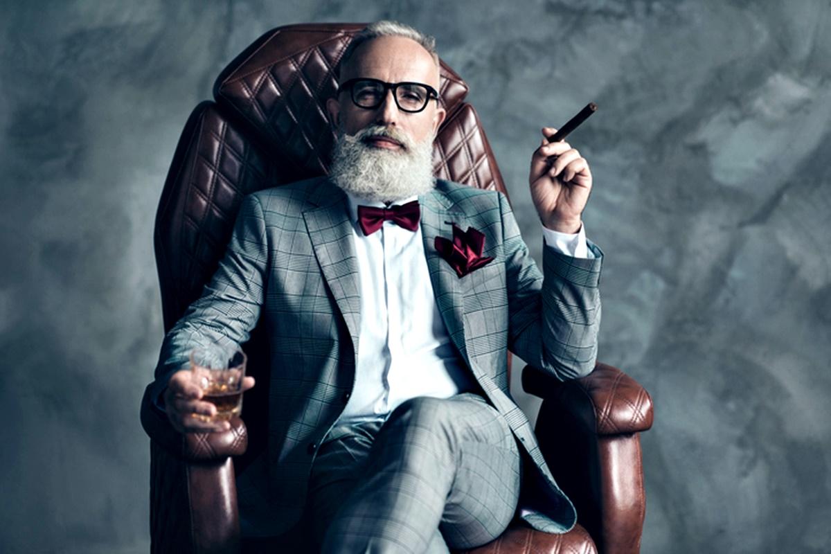 """Жените харесват по-възрастни мъже<br /> Психолозите наричат този феномен """"Ефектът Джордж Клуни"""".<br /> Проучване от 2010 г., в което вземат участие 3770 хетеросексуални възрастни, открива, че жените по начало харесват по-възрастни мъже и с годините и постигането на финансова независимост, привличането към по-възрастни мъже не спада, а се покачва.<br /> Еволюционните психолози смятат, че това е така, защото докато плодовитостта при жените е от пубертета до менопаузата, при мъжете тя продължава много по-дълго.<br />"""