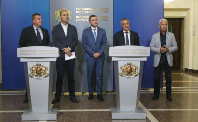 Съветът на коалицията заседава 4 часа, продължава след седмица