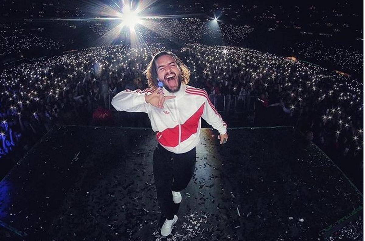 Малума е един от най-известните изпълнители в Южна Америка. Той има над 35 милиона последователи в инстаграм и стотици милиони гледания в YouTube.