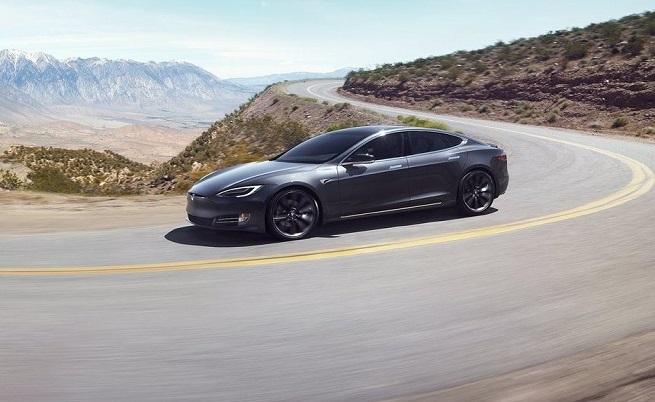 Tesla навърта пробег като дизелов автомобил