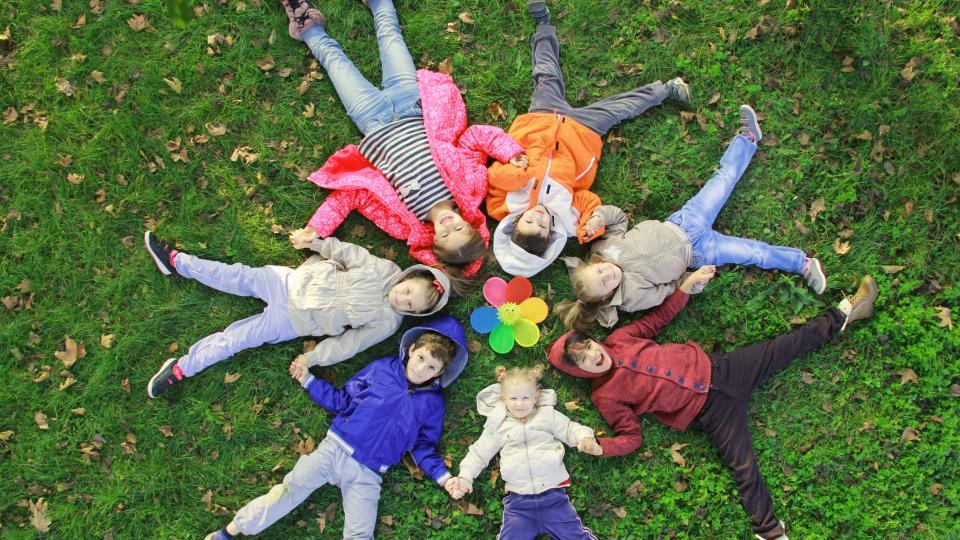 дете деца есен