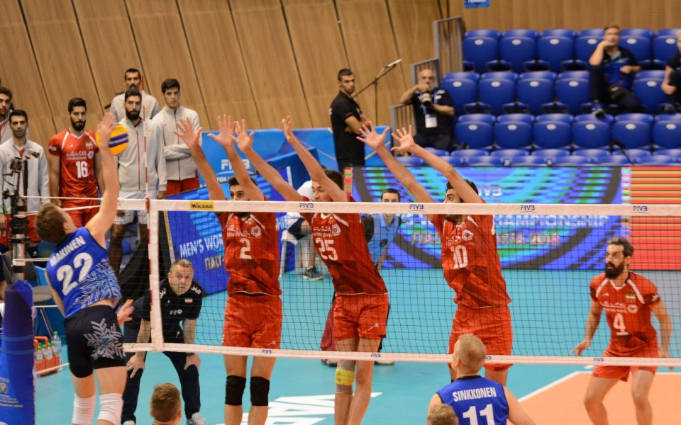 Иран се измъкна срещу Финландия след тайбрек
