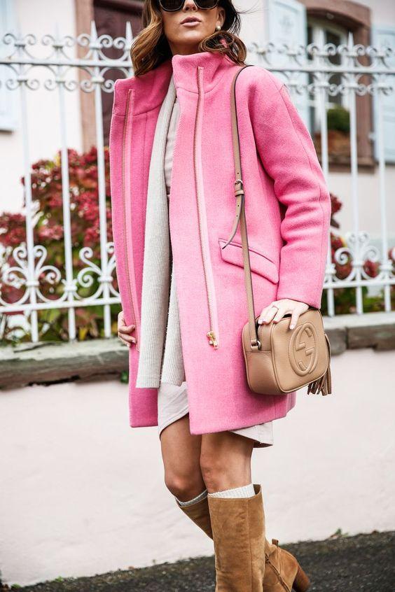 7. Смели палта - В ярки цветове, пухкави, от велур - изберете тренч, който да се отличава. И в никакъв случай не залагайте на черното! Бъдете цветни в цветната есен.