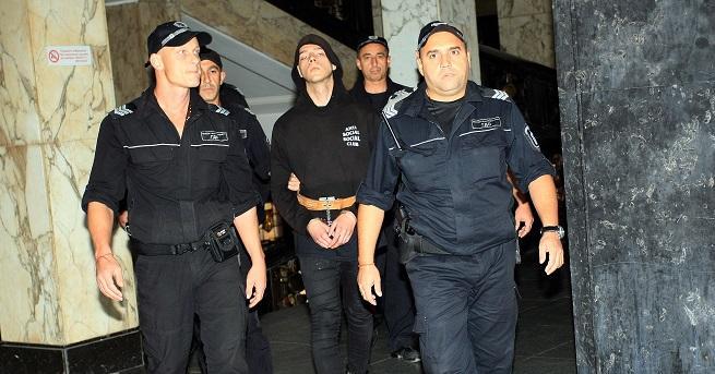 Софийски градски съд (СГС) реши младежът, който простреля полицай да