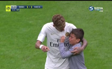 Неймар със страхотен жест към свой малък почитател