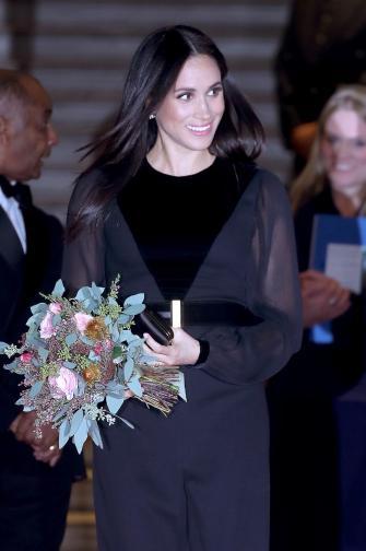 За първи път, откакто стана херцогиня на Съсекс, Меган Маркъл се появи на официално събитие сама. Херцогинята присъства на откриването на изложба в Кралската академия по изкуствата в Лондон. На нея бяха представени произведения на изкуството от Австралия, Нова Зеландия, ...