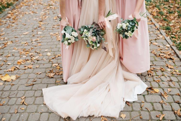 шаферки булка сватба