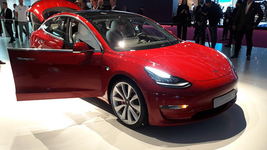 <p>Model 3 изпревари по продажби Corolla</p>