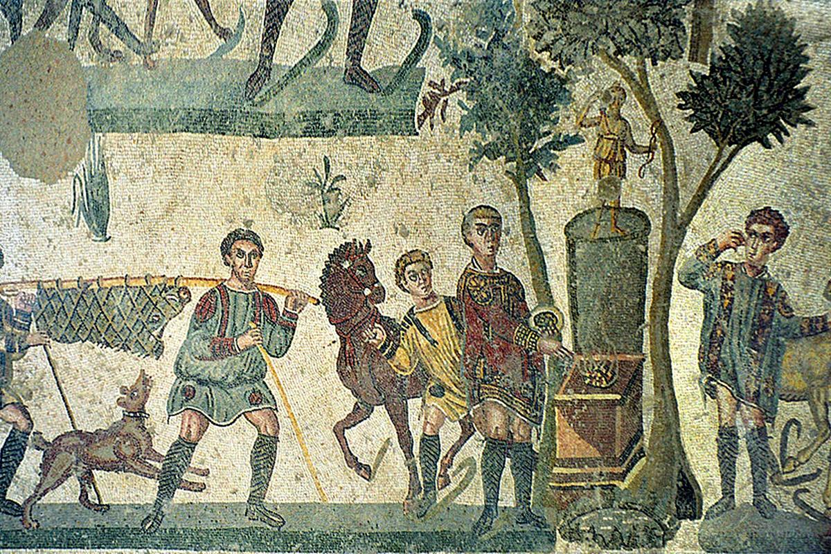 <ol>  <li>Езикът от фламинго се считал за деликатес от римските императори. Често се сервирал в комбинация с мозък на фазан и вътрешности на риби.</li> </ol>