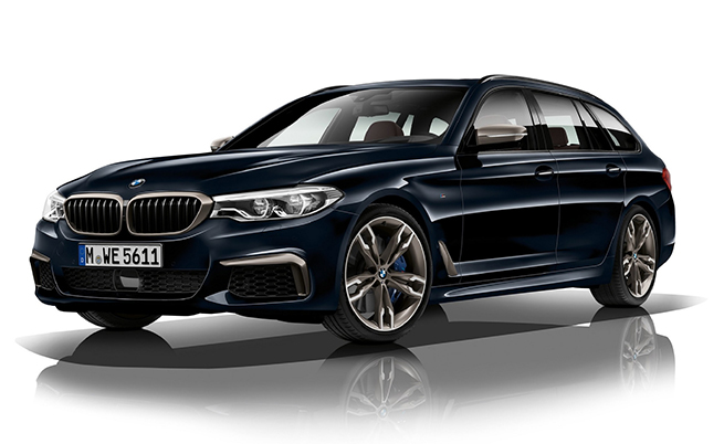 Под капака на това BMW M550d xDrive е монтиран 3,0-литров дизел с четири (4) турбини!