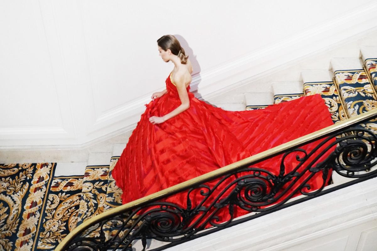 Повече от 20 години дизайнерът Гуо Пей облича известни личности, които се обръщат към нея, когато искат да бъдат красиви и да се откроят сред тълпата