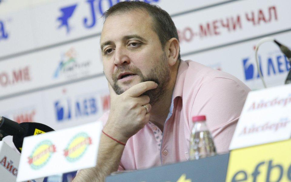 Иван Петков: Сблъсъкът с големите отбори те учи как да играеш срещу тях