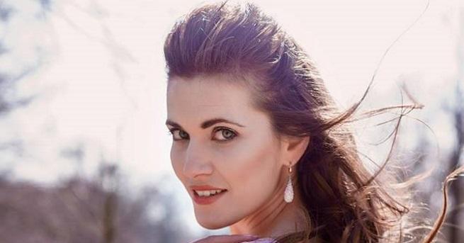 """Българката Юлия Бакалова бе избрана за """"Мисис Европейски съюз""""на конкурс"""