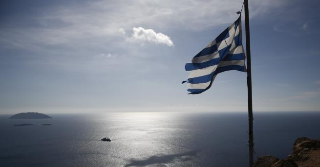Кораби на турските военноморски сили са възпрели гръцка фрегата, коятообезпокоила