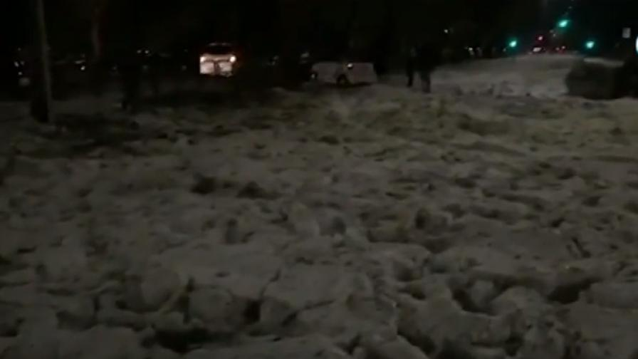 Лед покри Рим, потоп (СНИМКИ)
