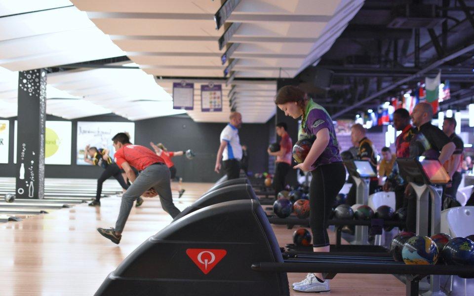 Руснак поведе класирането на силния европейски турнир по боулинг в София