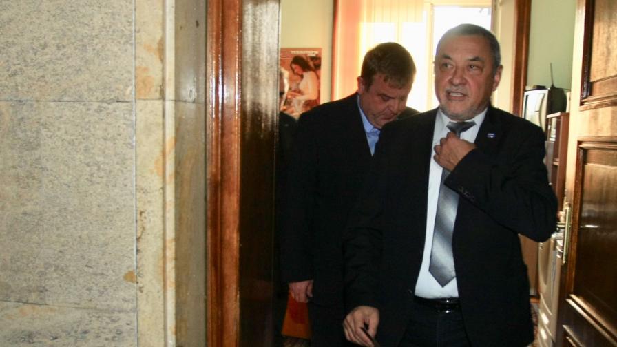 Симеонов: Няма да си подам оставката