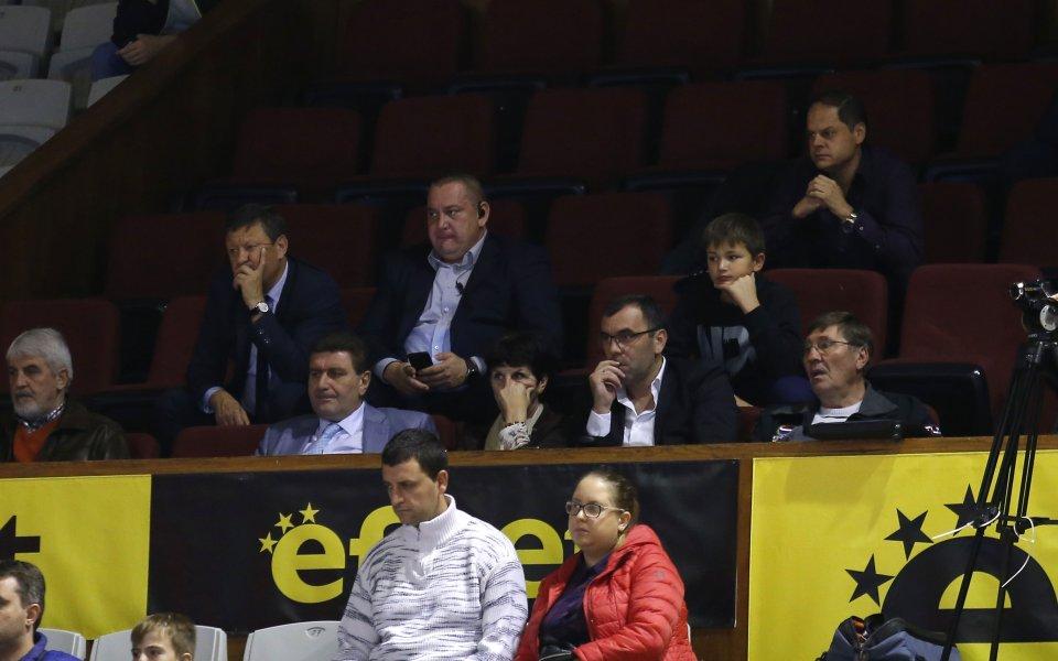 Организираните фенове на Левски вярват в обединението на баскетболните клубове