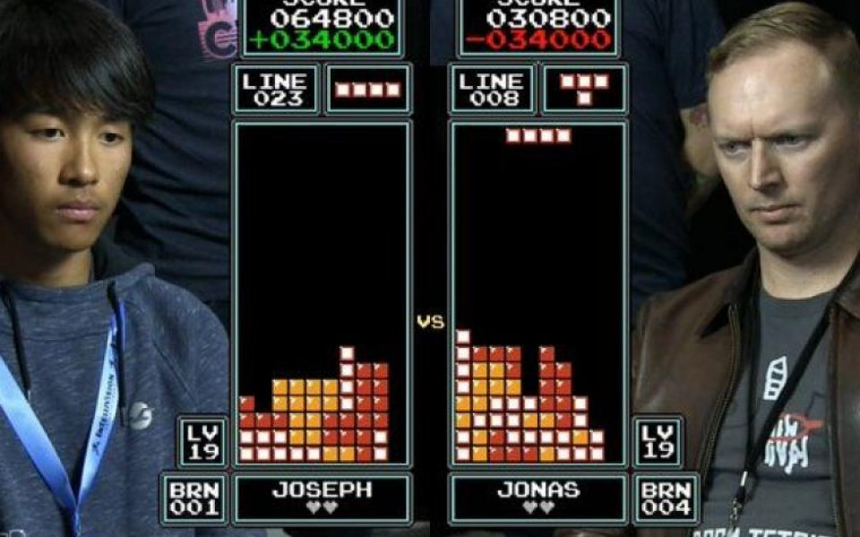 Чуйте коментара на века на финала по Tetris