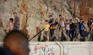 <p>Смъртоносни наводнения убиха ученици в Йордания</p>