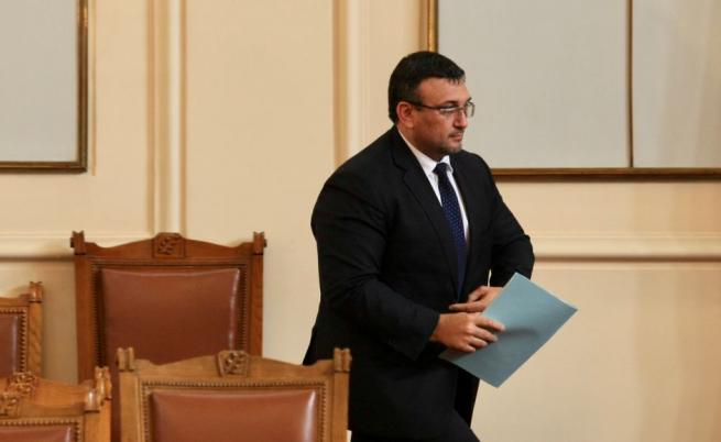 Маринов: 250 служители на МВР ще трябва да напуснат