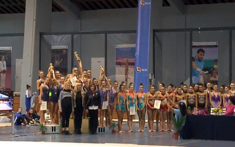 Ансамбълът на Левски Триадица шампион при жените