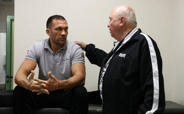Лоши вести за Кобрата - треньорът му се изпотроши, следва операция