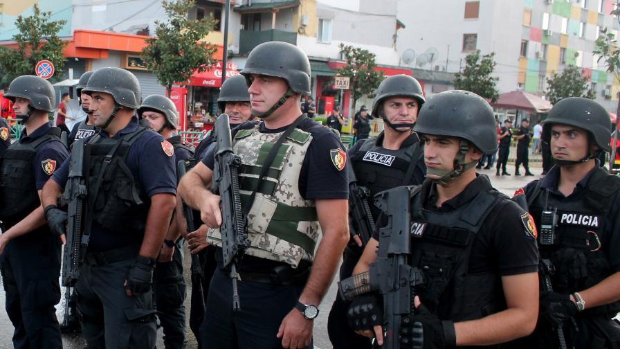 Убиха грък в Албания, бой между гърци и албанци в Атина