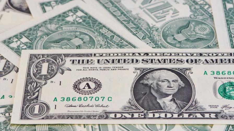 Пращат на съд фалшификаторите на евро и долари от Слънчев бряг